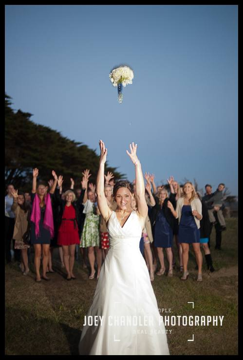 Bride throwing the bouquet at Sutro Heights- San Francisco Wedding - Alysse and Cody